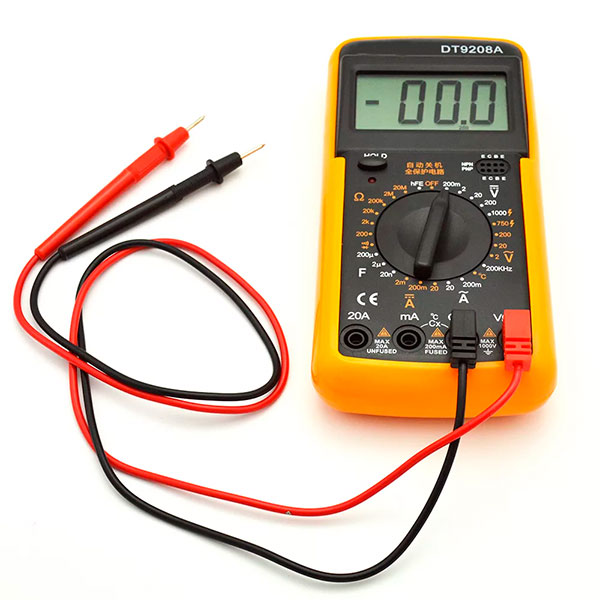 Digital multimeter DT 9208A
